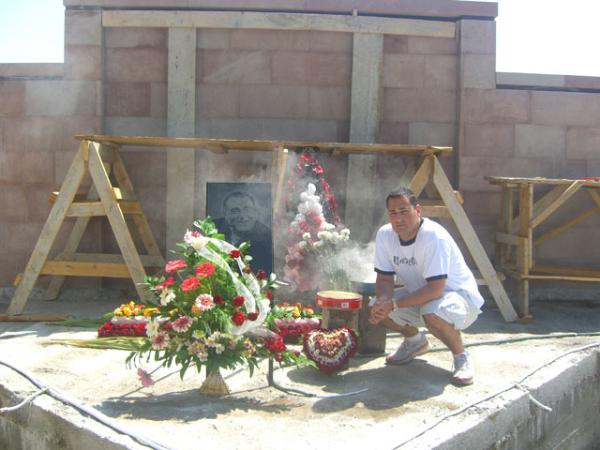 Armen at Aram Assadrians gravesite in Armenia.jpg